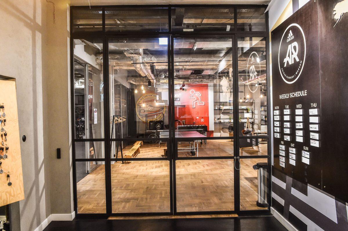 Adidas Runners Club - Drzwi Loftowe Szklane z Czarną Ramą