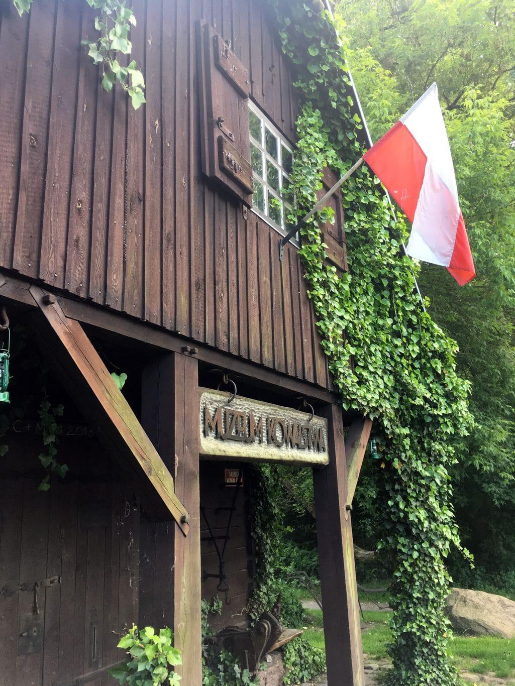 Muzeum kowalstwa w Warszawie - flaga Polski