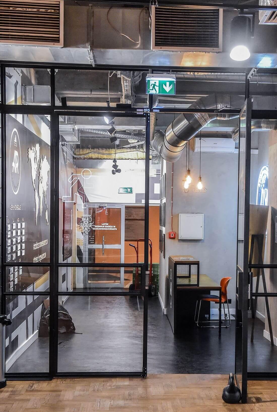 Drzwi Loftowe Metalowe Szklane w Adidas Runners Warsaw