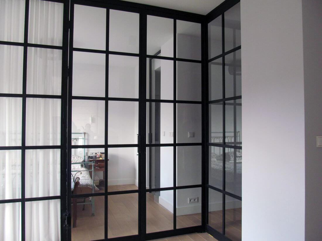 Drzwi Loftowe do Domu i Mieszkania oraz sypialni i pokoju dziennego z wbudowanym narożnikiem – pomalowane na czarno