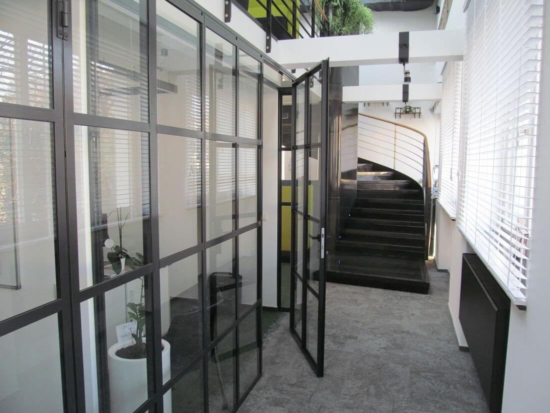 Drzwi Loftowe ze Ścianką Loftową do Biura EIP do prywatnego gabinetu ze wzmacnianego szkła