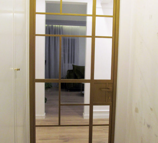 Loft Door Gold Single Leaf of glass and metal with safety glass 33.1 in separate quarters